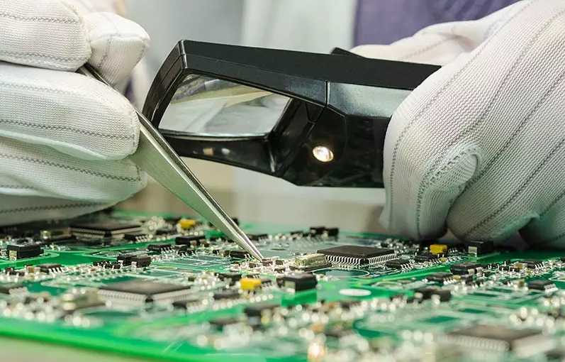 zoom of pcb manufacturing
